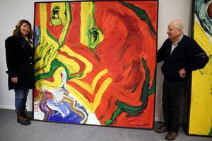 Ingrid Ronkainen, projektledare och Curt Aspelin vill visa konstnärens storhet i en förhandsvisning i Mora.