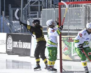 Favorittippade AIK föll tungt mot Diana Lipanovas Skutskär som tog klubbens första guld på damsidan. Foto: Janerik Henriksson/TT