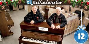 David Tengerström och Alf Rinkeholt har drivit sitt företag Musikreturen i Söråker under fem år.  De tar hand om gamla pianon och exporterar dem senare till bland annat Polen.
