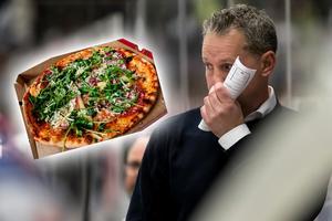 Jens Nielsen fick köra ut pizza till Leksandsspelarna när bussen till Umeå gick sönder. Bild: TT/Bildbyrån/Montage
