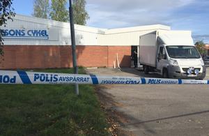 Den nästan färdiglastade skåpbilen som stulits tidigare under natten i Grängesberg blev kvar när tjuvarna flydde.