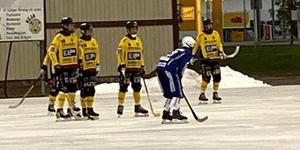 KIS föll i senaste träningsmatchen mot Åtvidaberg med 3–6. Foto Köpings IS.
