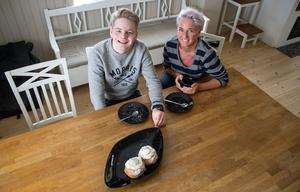 Både Walle och Ann är väldigt förtjusta i semlor. Det gav idén till tusenkronorssemlorna som såldes när P18 -läget spelade semifinal på fettisdagen.
