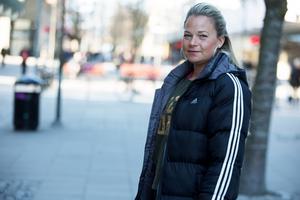 """Efter hyreshöjningarna har nu Josefin Sahlin Babar bestämt sig för att lämna Scaniarinken, men fortsätta med barnbasaren: """"Jag vill absolut fortsätta, men under förutsättning att det inte kostar för mycket"""", säger hon."""