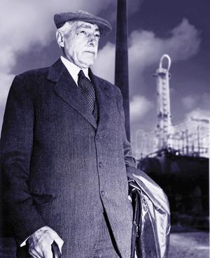 Industrimannen Axel Ax:son Johnson lät uppföra raffinaderiet i Nynäshamn.
