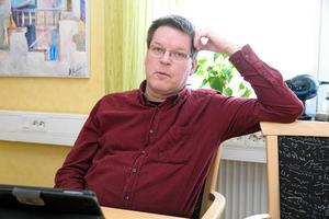 Leif Pettersson och hans parti lovar att kommunala jobb kommer att utlokaliseras till Grängesberg.