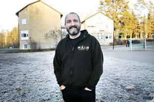 Jon Björkman är vice ordförande i kommunstyrelsen, som i politisk enighet stod bakom beslutet att förbereda för en försäljning av Strandhallen.