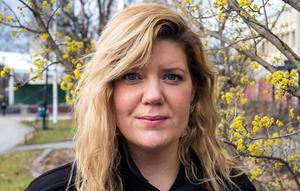 Angelica Andersson är  kritisk till beslutet att flytta på motdemonstranterna för att ge NMR plats i centrala Ludvika.