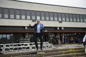 Dagens konferencier tillika religionsläraren Ulf Edström, släppte loss.