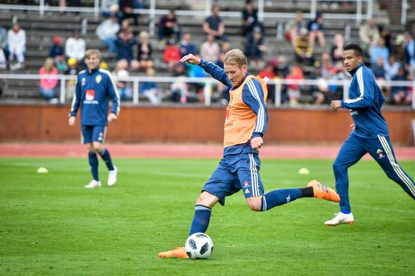 Från landslagsträningen på Stockholms Stadion. Bild: TT