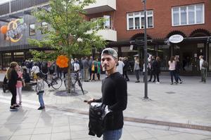 Hamza Mordi var ledig från jobbet och passade på att kolla in invigningen.