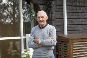 Armand Duplantis morfar Lars-Åke Hedlund har en gedigen friidrottsbakgrund. Under sina aktiva år tävlade han för Avesta IF, Arbrå och IK Stål. Han blev bland annat norrlandsmästare när han tävlade för Arbrå. Som veteran blev han världsmästare i häcklöpning.