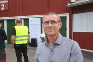 Sven Isaksson var en av flera som ställde många kritiska frågor under mötet.