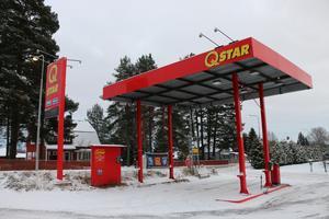 Betalautomaten och pumparna för bensin och diesel har försvunnit från Qstar-macken i Järbo.