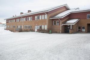 Vågbroskolan kan komma att bli en F-5 skola enligt ett förslag från förvaltningen. Högstadieeleverna skulle i sådana fall få gå på Norrtullskolan istället.