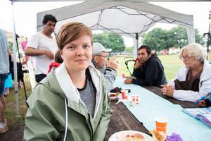 Frida Sund från Hudik mot rasism hoppas att sommarfesten ska vara en avslappnad plats där folk kan träffas.