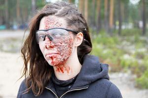 Deltagarna har rest till Föne från hela Sverige, flera länder i Europa, samt USA. Zombien Sara Hellman, från Ljusdal, har dock nära hem.