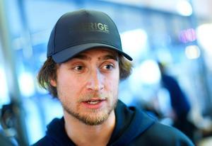 Foto: Bildbyrån   Måns Hedberg har mest bara ont i huvudet, och flyger hem till Bollnäs på onsdag.