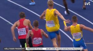 Stefan Tärnhuvud försöker springa ikapp Felix Svennson. Bild: SVT (skärmdump)