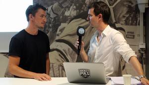 Jesper Johansson tillsammans med reporter Peter Hoffström