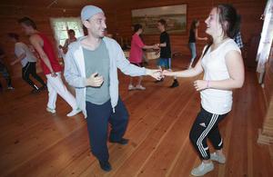 Dansläraren Johan Ås, Uppsala dansar bugg med Marlene Arvidsson, Lit.