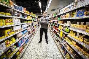 Andreas Hedberg driver Ica Nära-butiken i Kilafors och har genom den redan en cateringverksamhet. Nu bygger han ut med eventbolag.