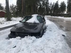 Området kring Myrgränd har blivit något av en slutförvaring för skrotbilar.
