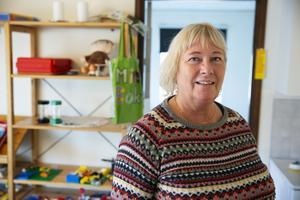 Carina Stegeborn oroas över att andelen personal med förskollärarlegitimation kan komma att minska i Leksands förskolor.