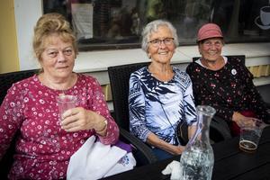 Ingrid Larsson, Birgit Gunnars och Gunnel Lovar är trogna besökare på Orsayran.