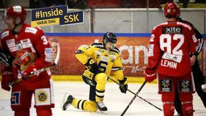 SSK-backen Henrik Malmström deppar i en match mot Almtuna förra säsongen. Inför seriepremiären listar Hockeypuls tre argument för att SSK kan få uppleva tunga stunder i vinter igen.