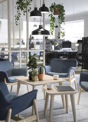Ikea tar emot hårda möbler, inte textilier. Foto: Ikea