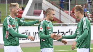 Benjamin Hjertstrand tillsammans med backkollegorna, Mattias Liljestrand och Alexander Zetterström.