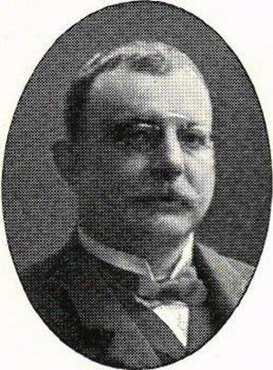 1902 besöker Kungliga medicinalstyrelsens inspektör Georg Schuldheis Hernösands försörjningsinrättning. Fotograf: Okänd