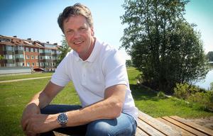Hans Åström fyller 50 i höst och stortrivs med livet.