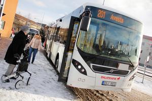 Vid årsskiftet tog landstinget över ansvaret för länets kollektivtrafik. I uppgörelsen med dalakommunerna ska 55 miljoner sparas in de kommande två åren.Foto: Karolina Thornefors