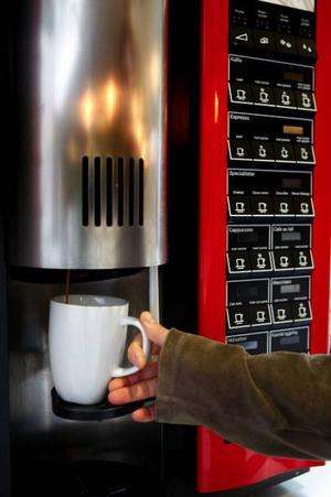 För mycket kaffedrickande tros vara orsaken till att Ulf Dahléns hjärta började rusa.Foto: JESSICA GOW / SCANPIX