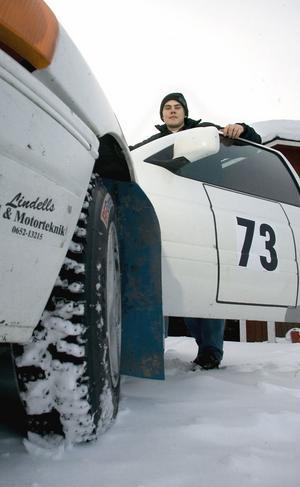 Tommy Andersson har chansen att klassa upp till B-förare i samband med helgens rally i Hassela.