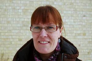 Anette Bergqvist, föreningsutvecklare i Strömsunds kommun, bjuder i kväll Strömsunds föräldrar till möte om hur det fungerar kring samhällets unga. Polisen, socialen, Nattvandrare i Östersund och studieförbundet NBV medverkar för att berätta vilka roller alla har.