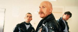 Roger Ward, Steve Millchamp och John Ley spelar trafikpoliser i