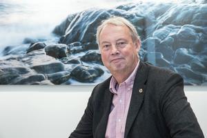 Harry Bouveng (M) gör sig redo att ta över rollen som ordförande för kommunstyrelsen i Nynäshamn. Däremot är det inte klart exakt vilka partier som ska ingå i den styrande konstellationen.
