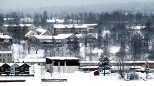 Förslaget att tillåta byggandet av två 25 meter höga höghus på Kattastrand i Härnösand väcker starka känslor. Det begränsar inte bara utsikten mot Södra Sundet utan saboterar dessutom boendemiljön i området, skriver Uno Gradin. Bild: Uno Gradin