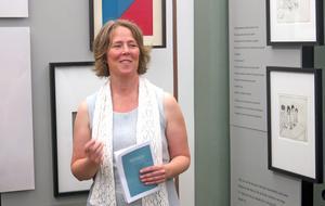 Petra Hagelin går Bollnäs folkhögskolas skrivarlinje och har skrivit texter till verken som visas i utställningen