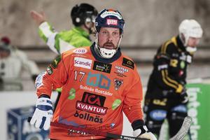 Daniel Mossberg fick inte glädja sig länge över sitt första mål i Bollnäs.