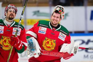 Mattias Pettersson pustar ut efter karriärens första SHL-nolla.Foto: Simon Hastegård/Bildbyrån