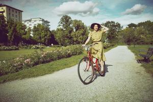 Kristina Sandbergs romantrilogi om Maj blir i vår teater på Dramaten. I rollen som Maj ser vi Ellen Jelinek. Foto: Klara G