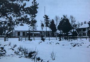 Hissmofors skola. I dag är två av tre byggnader borta.Arkivbild.