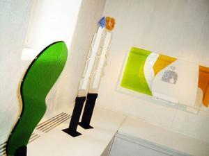 Man får en vårkänsla när man kommer in på Drejeriet och två skulpturer har passande nog just titeln Vår.Vacker dekorativ glaskonst av Agneta Andersson från Kiruna visas just nu på Drejeriet.
