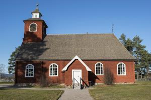 Envikens gamla kyrka uppfördes 1669-1679 på eget initiativ av folket i Enviken