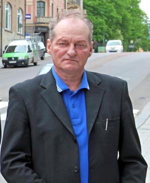 Skadegörelse på bilen har drabbat sverigedemokraten har Lars-Edvin Lundgren flera gånger. Bild: Lennart Lundberg