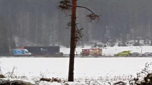 Räddningstjänst och ambulans larmades till olycksplatsen.Foto: Johan Pettersson/ Läsarbild